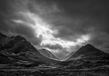 Towards Lairig Gartain_David Crabtree